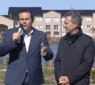 Camilo Etchevarren, alineado con Macri, dijo que otorga el plus por la crisis económica.