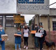 Presos elaboraron y donaron Facturas y tortas fritas.