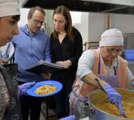 Vidal supervisó control de alimentos en comedor escolar