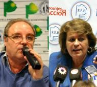 Miguel Díaz, titular de UDOCBA y Mirta Petrocini, de FEB.