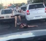 El brutal ataque quedó registrado en video.