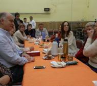 Vidal y Grindetti junto a jubilados en Lanús.