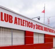 """Independiente de Hurlingham abre sus puertas a los vecinos que no tengan el """"pack fútbol""""."""