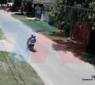 Motochorros asaltaron a dos nenas de 7 y 11 años.