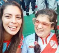 Carla y Mía celebraron el ascenso de Arsenal.