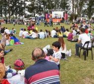 Las familias de la zona se acercaron en buen número a la Exposición Rural. Foto: La Marca de Lincoln.