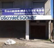 El local de Randazzo en Escobar recibió 8 disparos.