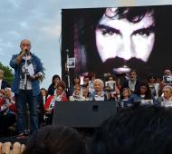 """""""Todos quieren cerrar el caso, pero la lucha continúa"""", dijo Sergio Maldonado en Plaza de Mayo."""