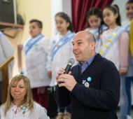 Molina estuvo junto a alumnos de la escuela N°18.