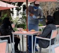Restaurantes y bares al aire libre.