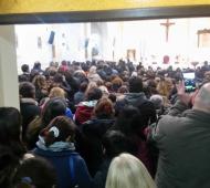 Una multitud asistió a la Catedral de Moreno.