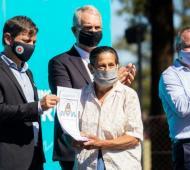 Morón: Kicillof encabezó entrega de 127 títulos de propiedad
