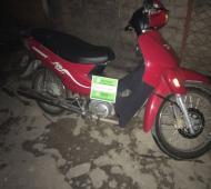Detuvieron a tres delincuentes que robaban motos engañando a través de Facebook