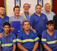 Nardini, Chaín y Heinrich junto a operarios de AySA.