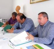 Olivera durante la firma del nuevo convenio. Foto: Municipalidad de Tordillo.