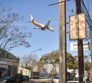 El aeropuerto, un problema para los vecinos de El Palomar.