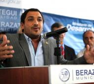 El Intendente de Berazategui sigue recorriendo la Provincia.
