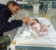 Quilmes: Dos policías ayudaron a una mujer a dar a luz