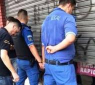 Los dos agentes fueron detenidos. Foto: Precinto56