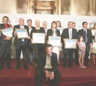 Intendentes, legisladores y periodistas bonaerenses fueron premiados en el Senado nacional
