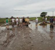 Vecinos arreglaron el camino entre Santa Regina y Cañada Seca por su cuenta.