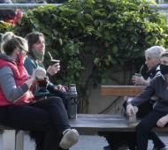 Las reuniones sociales han sido apuntadas por varios municipios