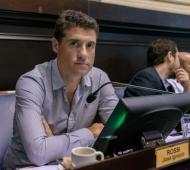 Rossi quiere retener su banca en la Legislatura.