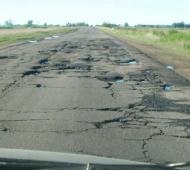 La Ruta 50, una de las más deterioradas en la Provincia.