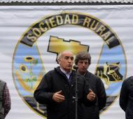 Salvador recorrió la Exposición Rural en Laprida.