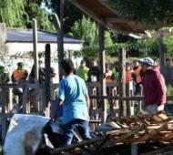 Comenzaron a desalojar los terrenos ocupados en San Pedro. Foto: La Opinión