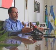 Carlos Casares: Torchio congeló su salario por seis meses