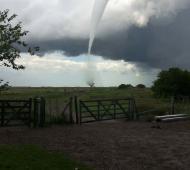 El tornado fue registrado en la zona de laguna La Salada.