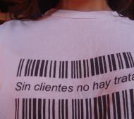 """""""Sin clientes no hay trata"""", una de las tantas campañas de concientización en Argentina."""