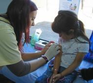 Vacunarán a niños de hasta 11 años y mujeres embarazadas.