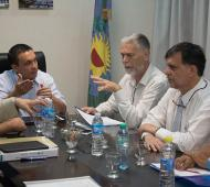 Florencio Varela: Por los continuos cortes, el intendente Watson reunió a Aysa con vecinos afectados