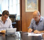 Molina firmó un convenio con Vialidad Nacional.