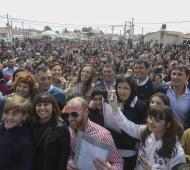 Vidal en Azul: Entregó casi trescientas viviendas sociales