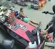 El robo quedó filmado en las cámaras de seguridad.