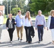 La ministra de Educación, Agustina Vila, recorrió obras en Esteban Echeverría el jueves.