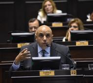 El legislador bonaerense oriundo de la localidad de Vicente López celebró la aprobación del Presupuesto 2019. Foto: Prensa