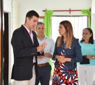 Casamiquela junto a Urtubey en un Centro de Primera Infancia. Foto: Prensa