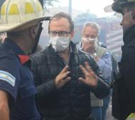 Diego Valenzuela con los bomberos