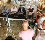 Martín Yeza dio una conferencia de prensa con criticas a la oposición