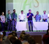 Zabaleta presentó programa de regularización de entidades de bien público